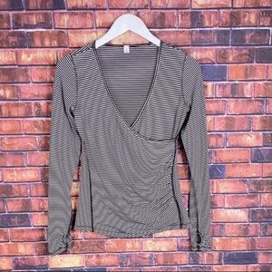 Lululemon Womens Black Striped Cross Over V-Neck